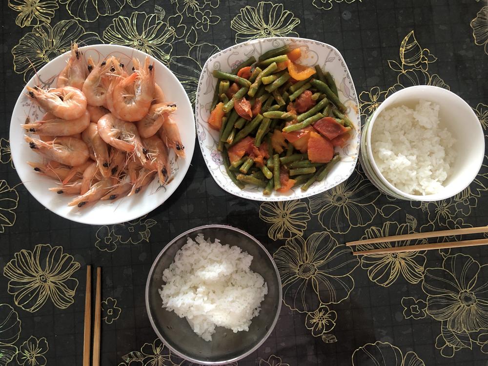 白灼虾和番茄炒豆角